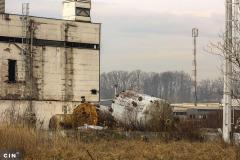 Napusteno-postrojenje-je-odavno-obraslo-vegetacijom-krug-HAK-a-Tuzla