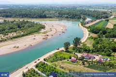 Politicians profiting from the bent Drina