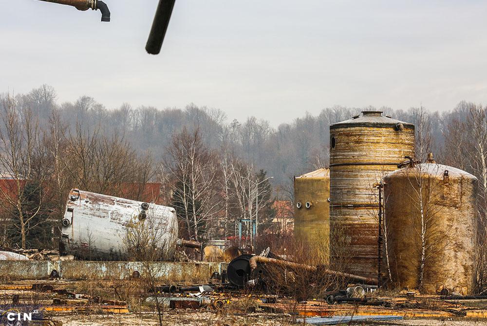 Napušteno-postrojenje-u-krugu-HAK-a-Tuzla-2