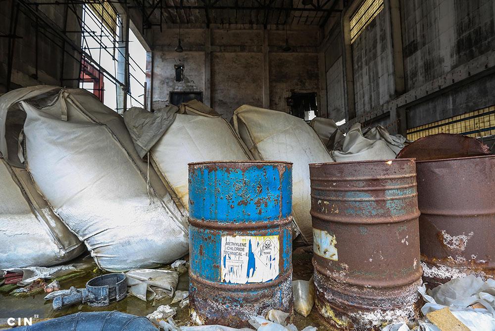 Nezbrinuti-ostaci-sirovina-iz-proizvodnje-bivše-hemijske-industrije-HAK-Tuzla