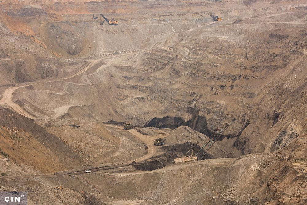 Transport-uglja-na-površinskom-kopu-Višća