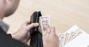 Funkcionerima penzije za džeparac