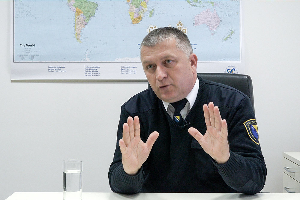 """""""First time I ever heard someone admitting to having reduced the customs base by that much and damaged the state by that much"""", the head of customs office in Gradiška, Radovan Đurić, is not aware of importers admitting before the courts to have devalued the invoices (Photo: CIN)"""